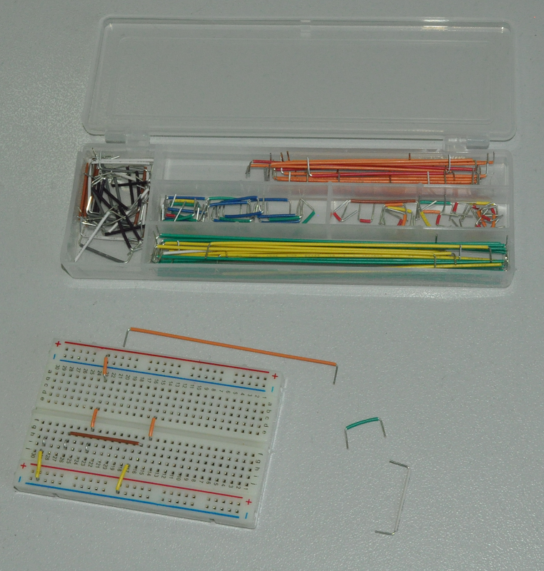 Fig. 8 A useful element for creating clear and aesthetic circuits on the breadboard are insulated rigid jumpers of different lengths.